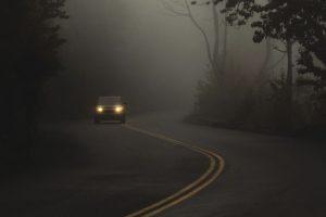 Tips para conducir con lluvia y niebla
